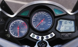 Yamaha FJR1300 zegary 2004