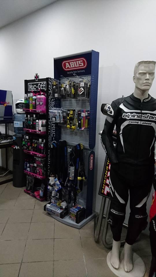 Nowy salon akcesoriow motocyklowych 4ride pl 2017 08