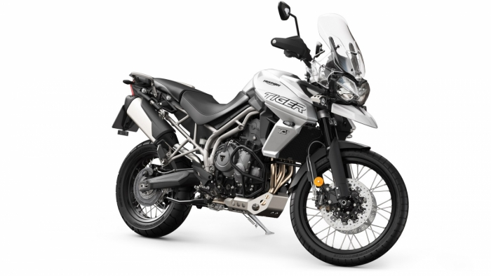 Tiger 800 XCA Front 3 4 Crystal White