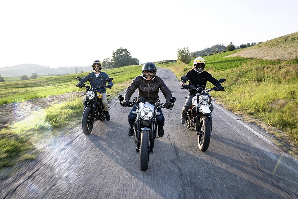 Ducati Scrambler ambience 02 UC67961 Low