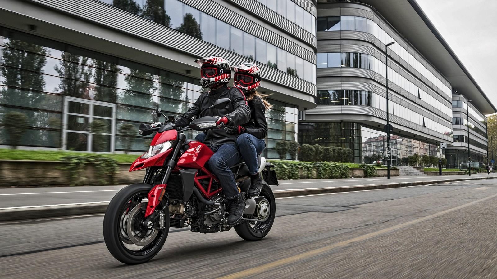 Ducati Hypermotard 950 2019 03