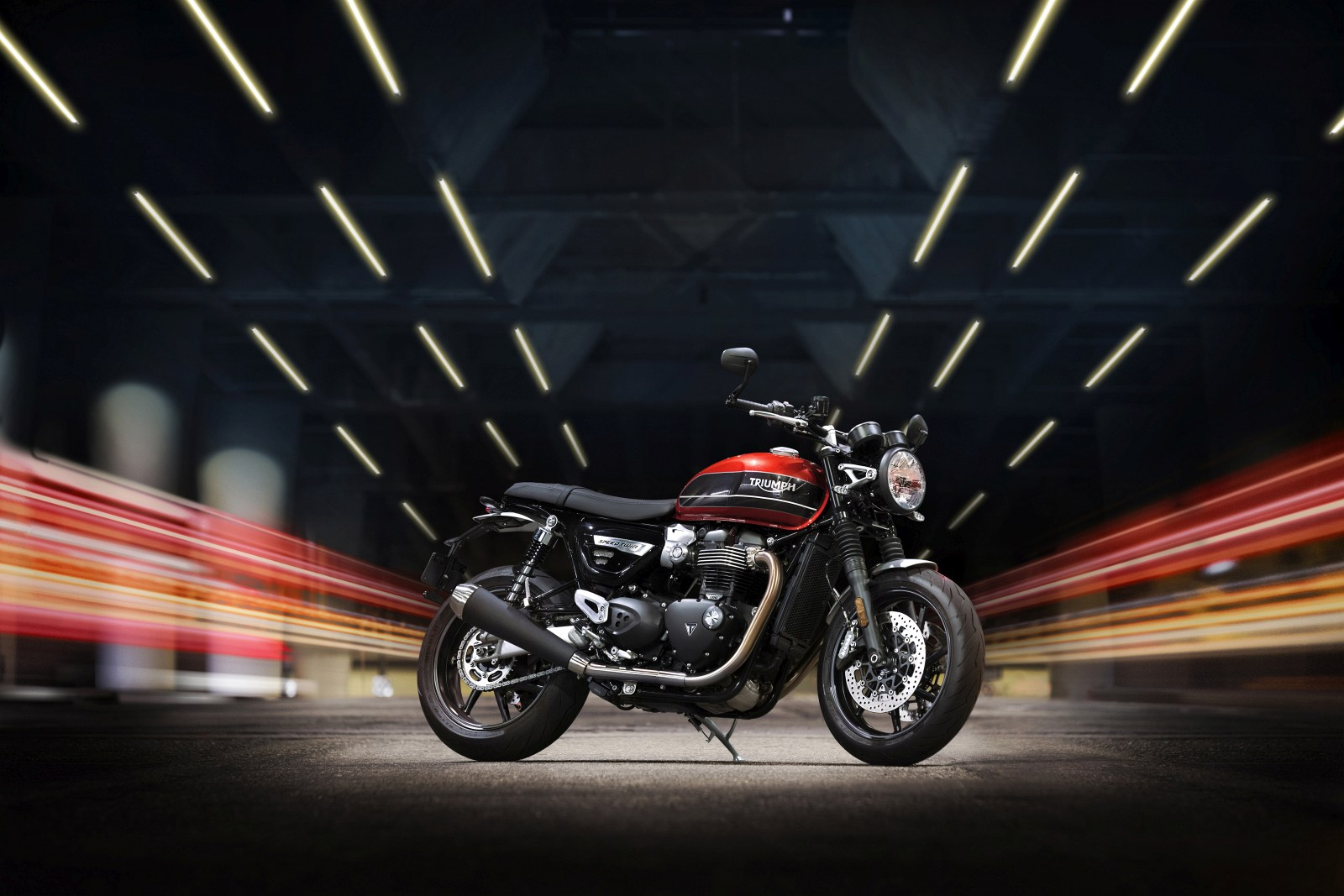 2019 SPEED TWIN Static 1