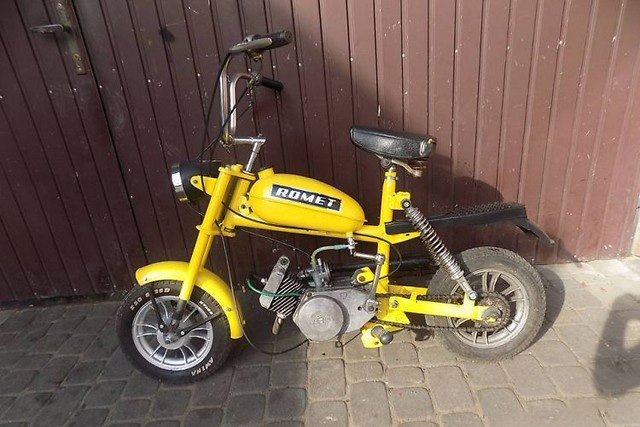 motorynka romet zolta