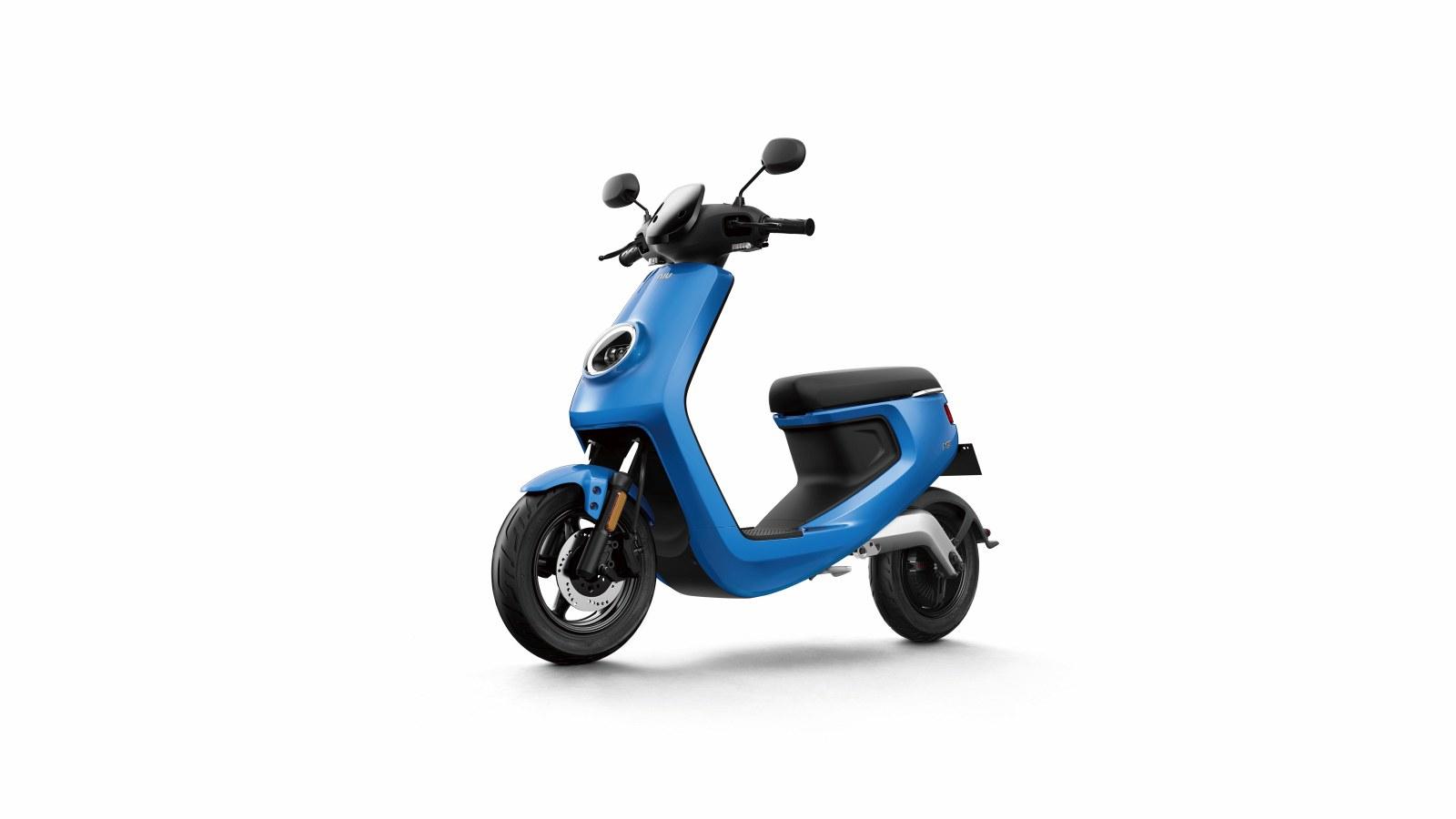 M Blue Front45