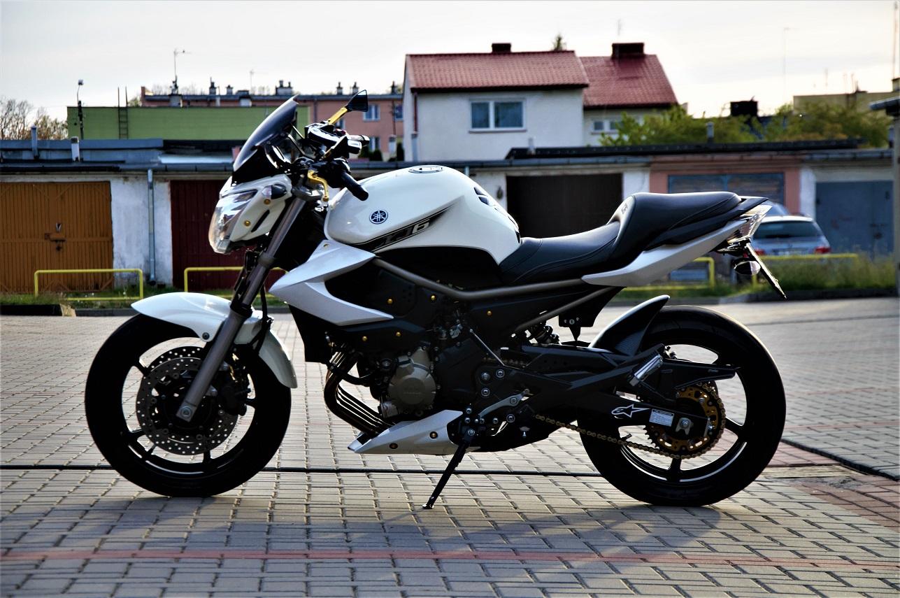 Yamaha XJ6N Custom 09