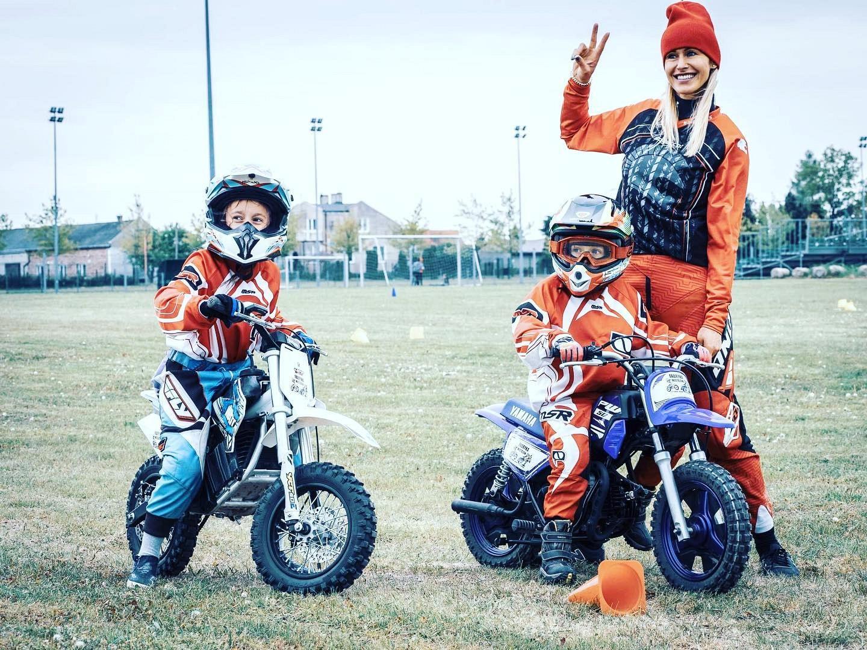 Dzieciaki na motocyklach 06