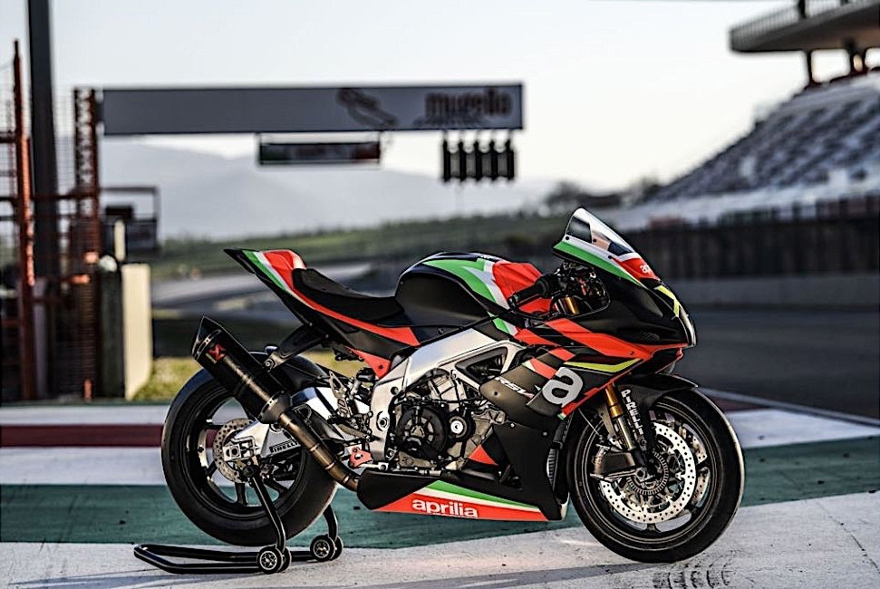 aprilia rsv4 x ready for delivery only 10 people in the world to get them 6