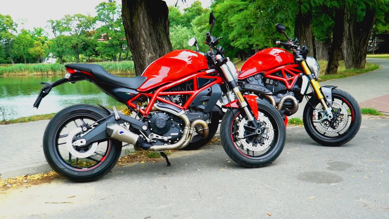 Ducati Monster 797 vs Monster 1200 4