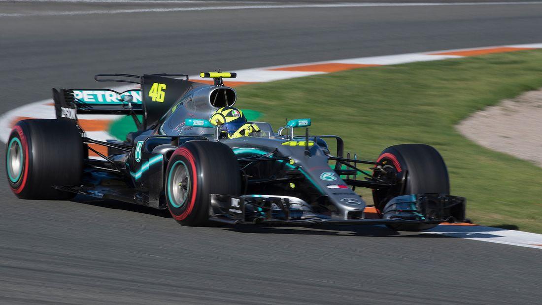 Lewis Hamilton Valentino Rossi Fahrzeugtausch 2019 169FullWidth 3f16024b 1655927