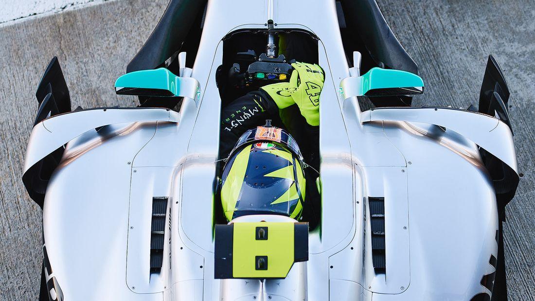 Lewis Hamilton Valentino Rossi Fahrzeugtausch 2019 169FullWidth 495761ad 1655951