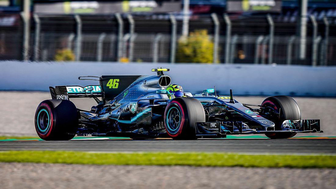Lewis Hamilton Valentino Rossi Fahrzeugtausch 2019 169FullWidth 4a37f831 1655936