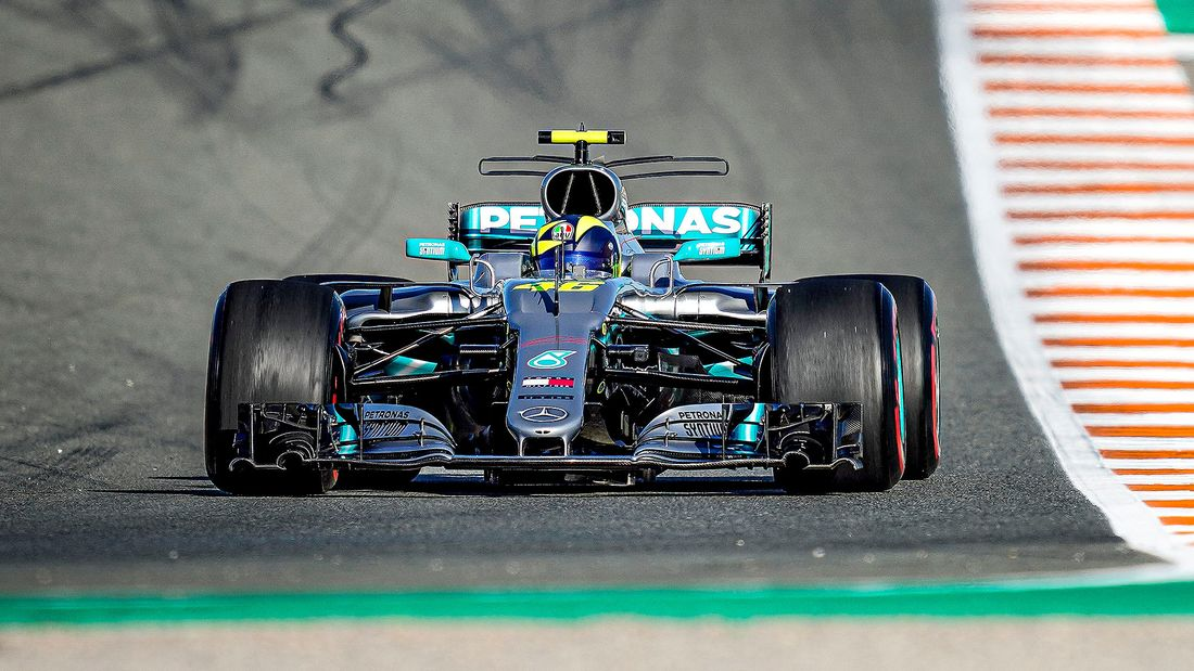 Lewis Hamilton Valentino Rossi Fahrzeugtausch 2019 169FullWidth 89323f0a 1655933