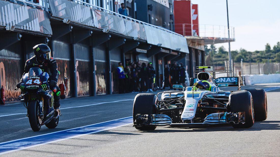 Lewis Hamilton Valentino Rossi Fahrzeugtausch 2019 169FullWidth cfda9e41 1655947