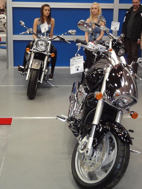Stoisko Suzuki Motor...